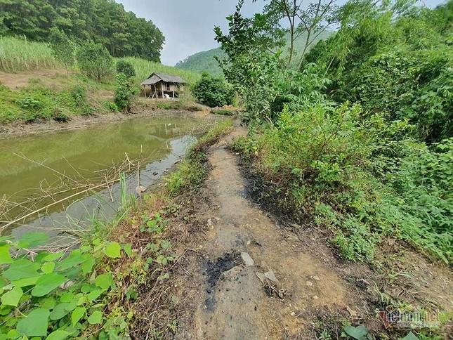 Mùi khủng khiếp ở đồi Mông, nơi xả thải xuống nhà máy nước sông Đà ảnh 14