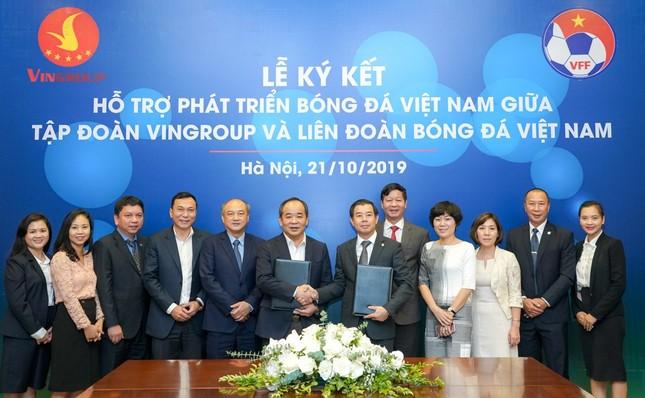 Vingroup & VFF hợp tác chiến lược hỗ trợ phát triển bóng đá Việt Nam ảnh 1