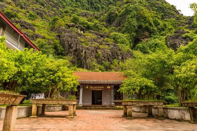Hang Múa: Từ sen tới lúa, nhà trên cây hút du khách ảnh 3