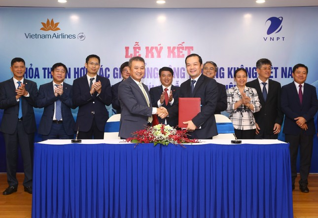 VNPT và Tổng công ty Hàng không Việt Nam ký hợp tác chiến lược ảnh 1