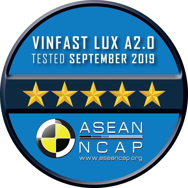 Vinfast đạt chứng nhận an toàn Asean Ncap 5 sao cho Lux SA 2.0, Lux A2.0 ảnh 2