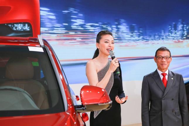 Bàn giao xe Lux SA2.0 giá 1,7 tỷ đồng cho đại sứ thương hiệu Ngô Thanh Vân ảnh 4