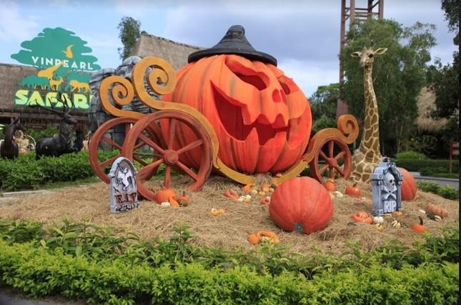"""Choáng với """"siêu bảo tàng"""" bí ngô của Vinpearl trong mùa Halloween ảnh 8"""
