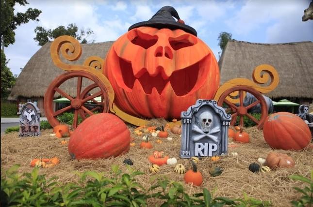"""Choáng với """"siêu bảo tàng"""" bí ngô của Vinpearl trong mùa Halloween ảnh 9"""