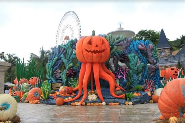 """Choáng với """"siêu bảo tàng"""" bí ngô của Vinpearl trong mùa Halloween ảnh 4"""