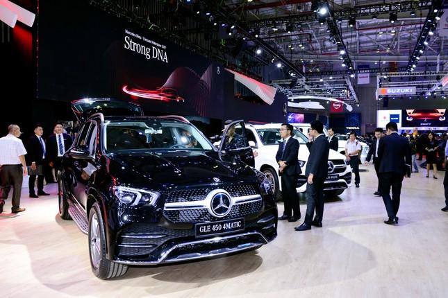 Mercedes-Benz GLE 450 mới có giá bán gần 4,4 tỷ ở Việt Nam ảnh 1