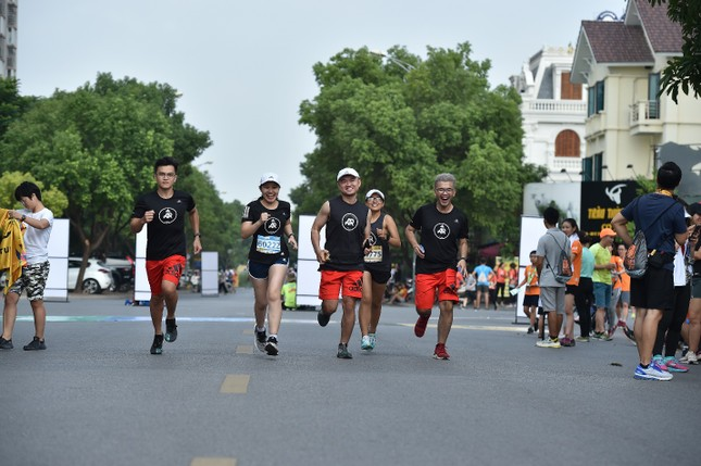 Thành viên nòng cốt của AR Saigon đăng quang đầy ấn tượng tại Longbien Marathon ảnh 3