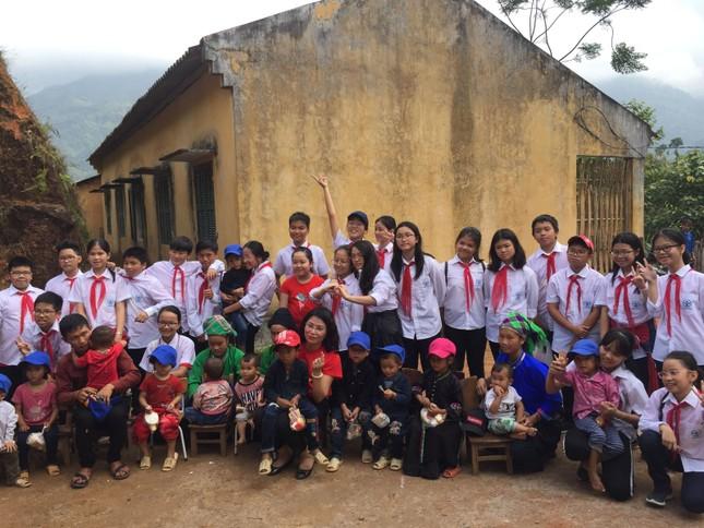 Thầy trò THCS Cầu Giấy vượt 400 cây số đem yêu thương cho học sinh Hà Giang ảnh 6