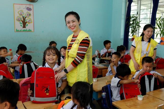 Hơn 1.000 học sinh nhận quà trong 'Ngày Thiện nguyện CapitaLand' ảnh 1