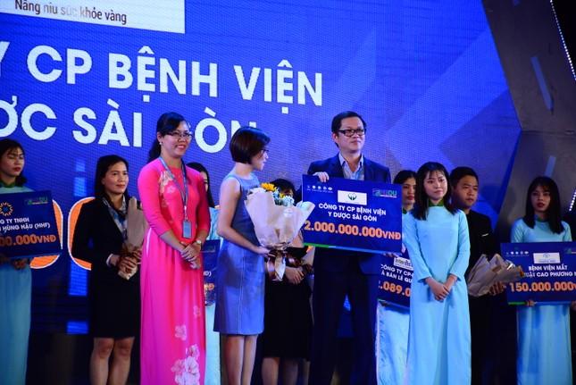 Trường ĐH Văn Hiến khai giảng, tiếp nhận 12 tỷ đồng tiền học bổng cho sinh viên ảnh 1