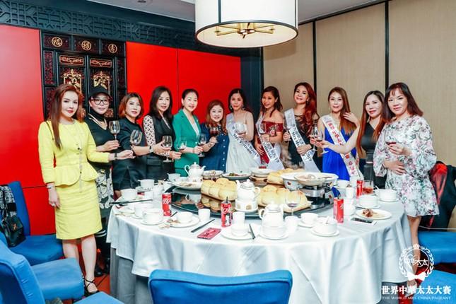 Á hậu Oanh Lê lên đường tham gia đấu trường Hoa hậu quốc tế ảnh 3