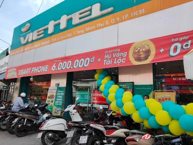 Viettel Store giảm giá smartphone tới 6 triệu đồng dịp khai trương siêu thị mới ảnh 1
