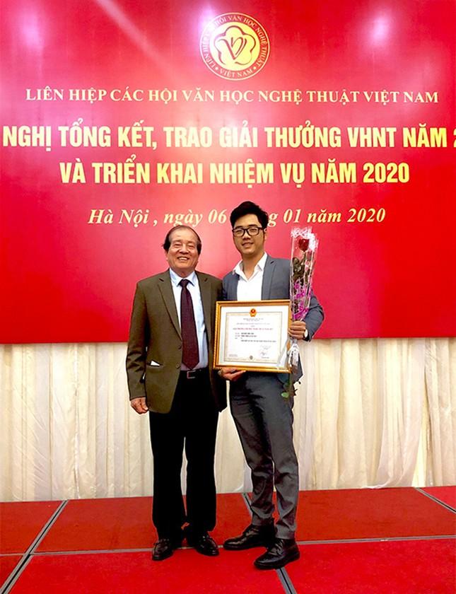 Giảng viên ĐH Duy Tân giành giải C tại Giải thưởng Văn học - Nghệ thuật 2019 ảnh 1