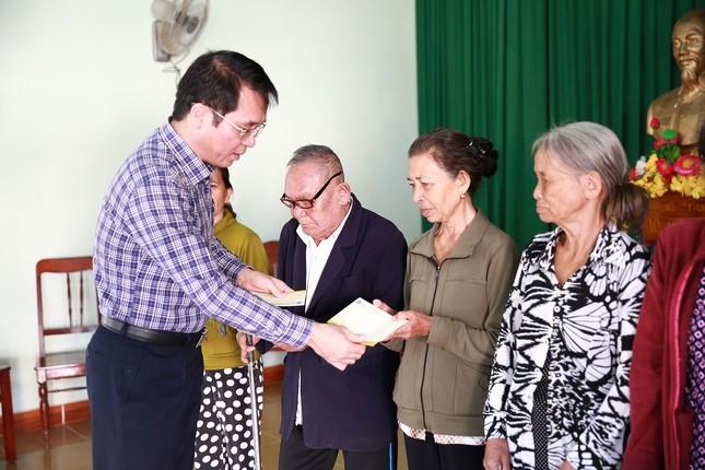 BSR trao quà Tết cho người nghèo, gia đình chính sách ảnh 2