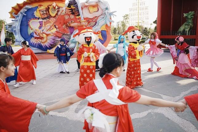 Lạc lối giữa xứ Phù tang tại lễ hội hoa xuân Vinhomes Smart City ảnh 4