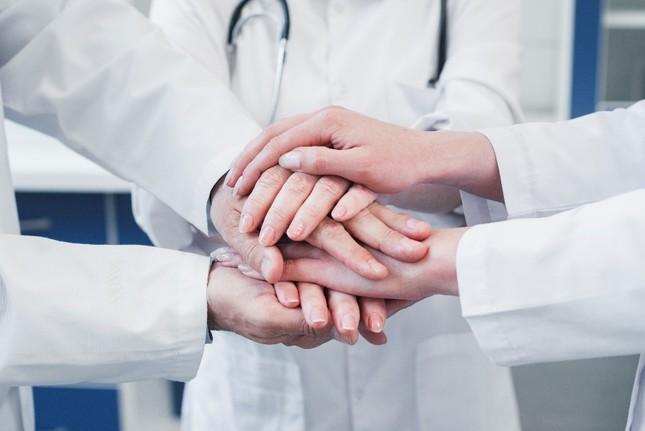 Gửi lời tri ân y bác sĩ bằng những câu chuyện lay động lòng người ảnh 2