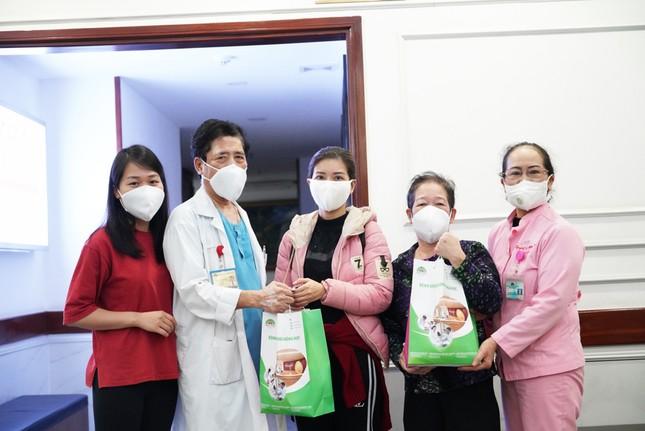 Bệnh viện Hồng Ngọc kết thúc cách ly, chính thức mở cửa trở lại từ ngày 18/03 ảnh 3