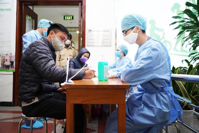 Bệnh viện Hồng Ngọc kết thúc cách ly, chính thức mở cửa trở lại từ ngày 18/03 ảnh 5