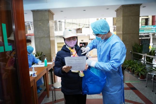 Bệnh viện Hồng Ngọc kết thúc cách ly, chính thức mở cửa trở lại từ ngày 18/03 ảnh 6