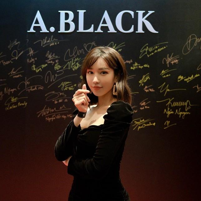 Dàn sao đổ bộ sự kiện ra mắt mỹ phẩm Hàn Quốc A.Black ảnh 1