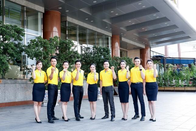 Nam A Bank tặng bảo hiểm sức khỏe Covid-19 cho cán bộ nhân viên ảnh 1