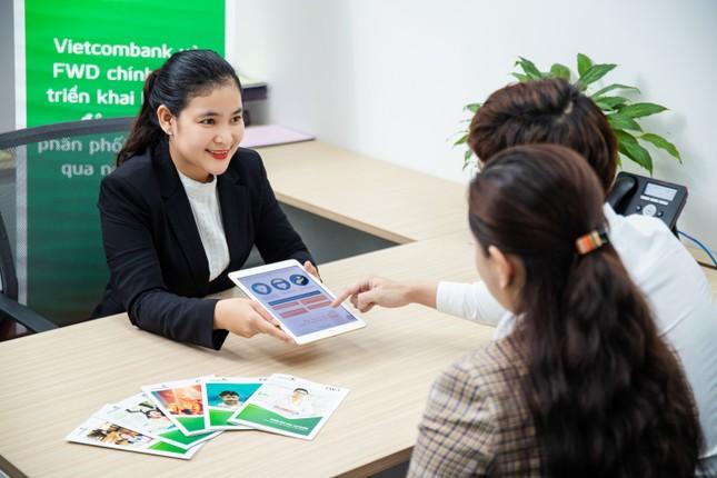 Vietcombank và FWD triển khai hợp tác độc quyền phân phối bảo hiểm qua ngân hàng ảnh 2