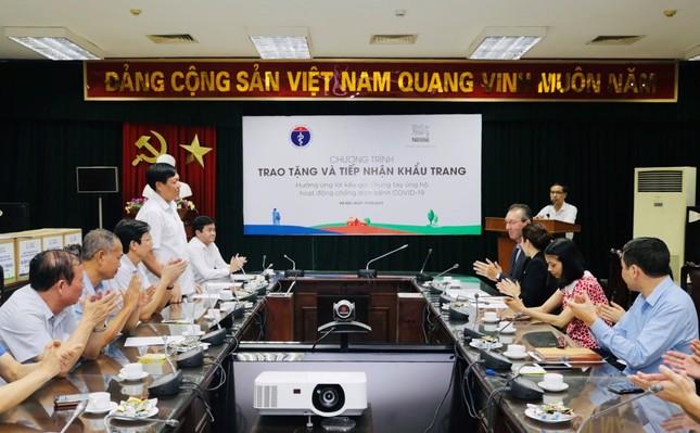Nestlé Việt Nam ủng hộ Bộ Y tế 88.000 khẩu trang ảnh 3