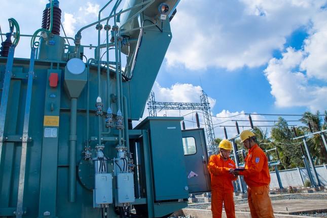 Nỗ lực đáp ứng nhu cầu điện phát triển kinh tế-xã hội khu vực phía Nam sau dịch COVID-19 ảnh 2