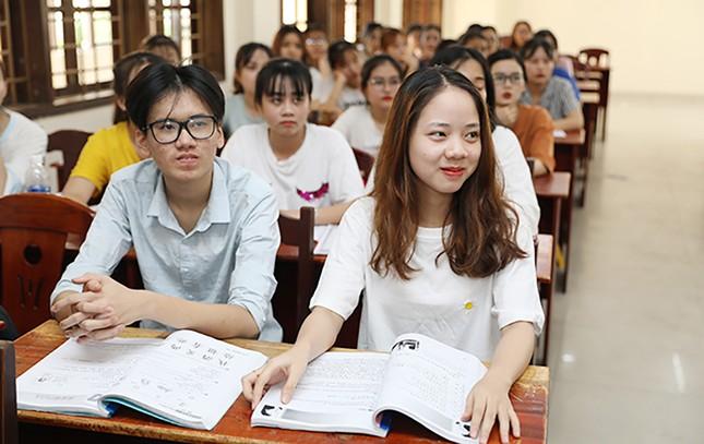 Đào tạo ngôn ngữ Hàn-Trung-Anh: Giải cơn 'khát' của thị trường nhân lực ảnh 1