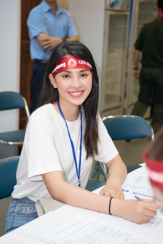 AQUA Việt Nam cùng Đỗ Mỹ Linh và Trần Tiểu Vy hiến máu vì cộng đồng ảnh 6