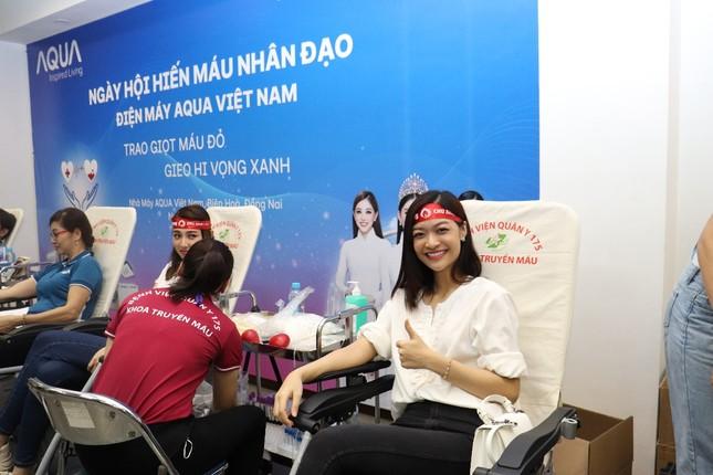 AQUA Việt Nam cùng Đỗ Mỹ Linh và Trần Tiểu Vy hiến máu vì cộng đồng ảnh 7