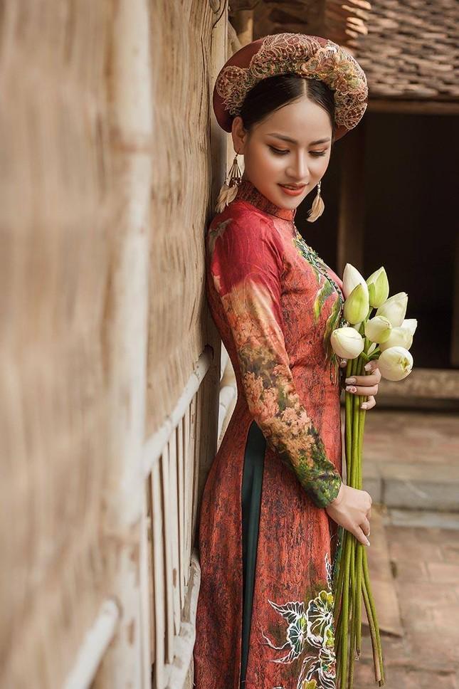 Diễn viên Phạm Hương nền nã trong bộ ảnh áo dài mới ảnh 2
