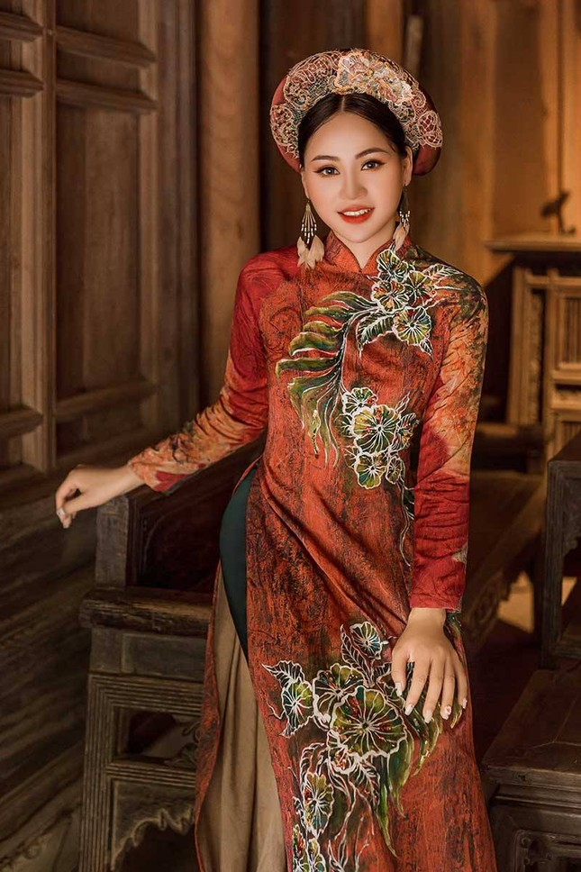Diễn viên Phạm Hương nền nã trong bộ ảnh áo dài mới ảnh 3