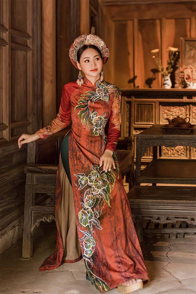 Diễn viên Phạm Hương nền nã trong bộ ảnh áo dài mới ảnh 4