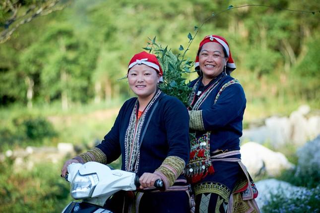 Phụ nữ Dao đỏ biến tri thức bản địa thành cơ hội thoát nghèo ảnh 1