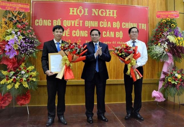 Công bố quyết định của Bộ Chính trị chuẩn y tân Bí thư Tỉnh ủy ảnh 1