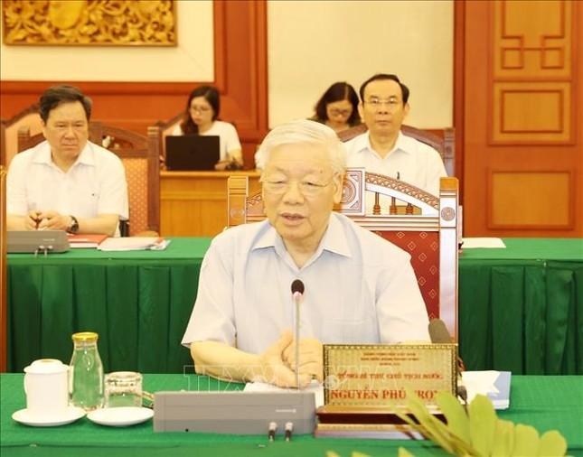 Bộ Chính trị làm việc với Ban Thường vụ Thành ủy TPHCM ảnh 2