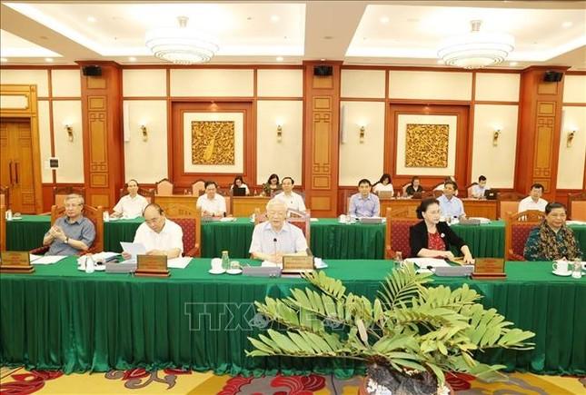 Bộ Chính trị làm việc với Ban Thường vụ Thành ủy TPHCM ảnh 3