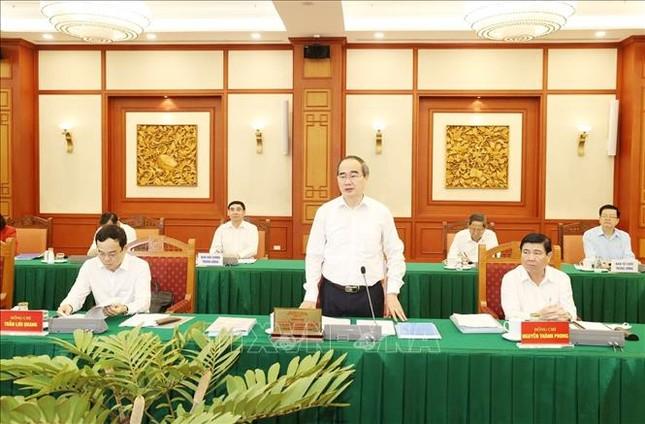 Bộ Chính trị làm việc với Ban Thường vụ Thành ủy TPHCM ảnh 4