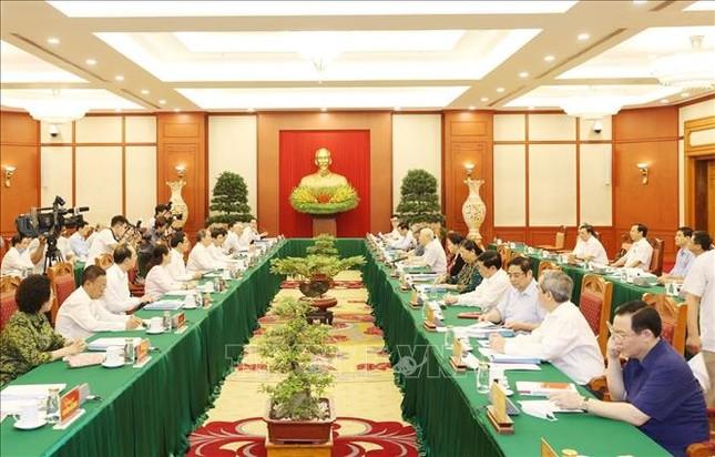 Bộ Chính trị làm việc với Ban Thường vụ Thành ủy TPHCM ảnh 5