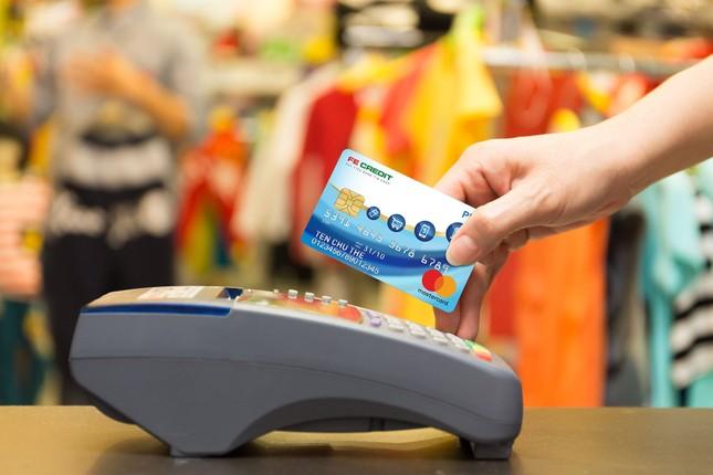 Nhóm thẻ tín dụng tăng, FE Credit hỗ trợ tích cực nhu cầu mua sắm của khách hàng ảnh 1