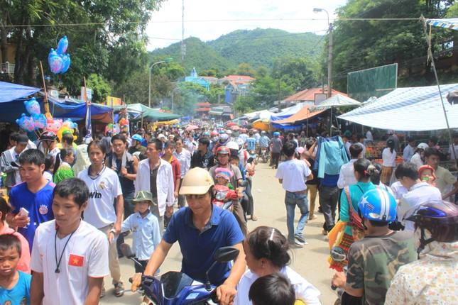 Đẩy mạnh thi đua xây dựng tỉnh Thanh Hóa sớm thành tỉnh công nghiệp theo hướng hiện đại ảnh 1