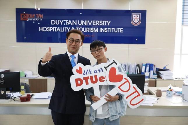 Nam sinh đất Quảng đạt 27,25/30 điểm xét tuyển vào ĐH Duy Tân ảnh 1