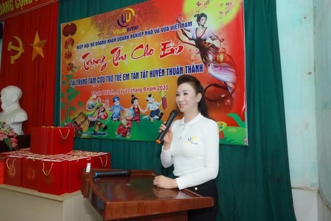 Hiệp hội nữ doanh nhân doanh nghiệp nhỏ & vừa tổ chức chương trình Trung thu cho em ảnh 2