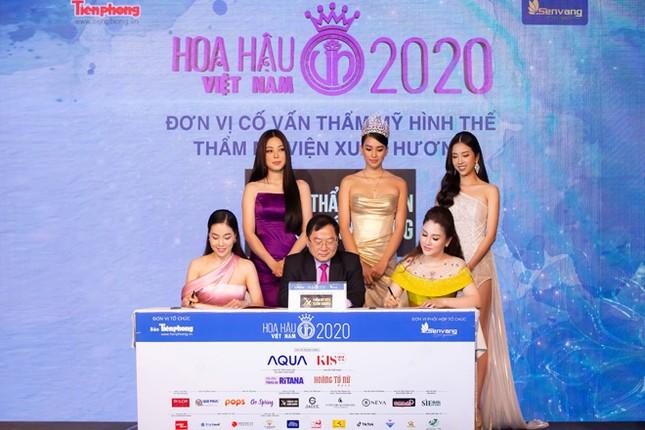 Hoa hậu Doanh nhân Xuân Hương rạng rỡ tại buổi họp báo Hoa hậu Việt Nam 2020 ảnh 2