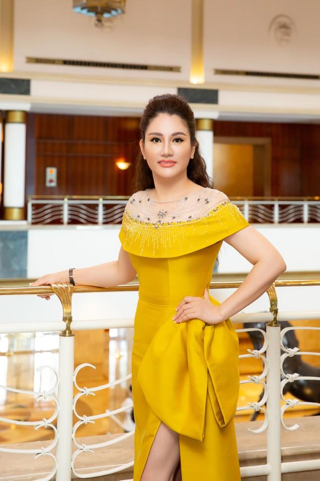Hoa hậu Doanh nhân Xuân Hương rạng rỡ tại buổi họp báo Hoa hậu Việt Nam 2020 ảnh 4