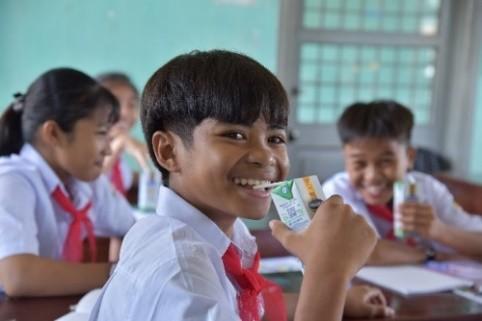 Quỹ sữa vươn cao Việt Nam và Vinamilk trao tặng 83.400 ly sữa cho trẻ em khó khăn Phú Yên ảnh 5