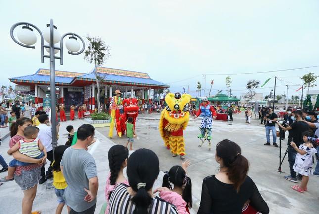 Chính thức khánh thành khu kinh tế đêm đầu tiên tại thành phố Đồng Xoài ảnh 1