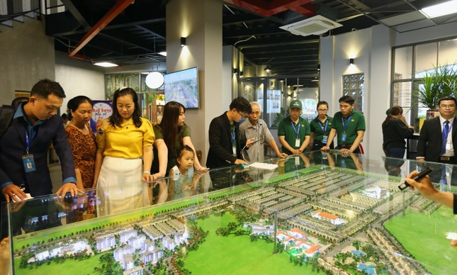 Chính thức khánh thành khu kinh tế đêm đầu tiên tại thành phố Đồng Xoài ảnh 3