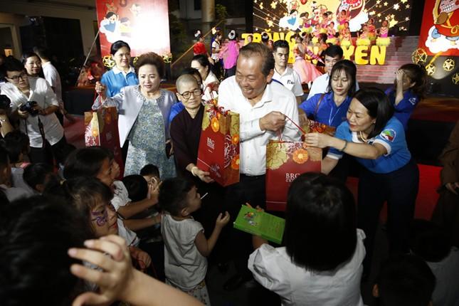 Tập đoàn BRG góp 'Trăng Bình yên' tới trẻ em có hoàn cảnh đặc biệt ảnh 1